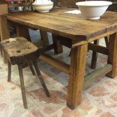 Antiquitäten - Mesa rústica - Mesa auxiliar de madera tosca - Mesita matancera - Zona rural Segovia - 56841707