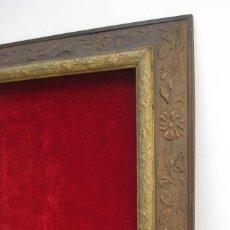 Antigüedades: CUADRO MARCO CIRCA 1920 MADERA IDEAL EXPOSITOR COLECIONES MILITARES O INSIGNIAS METOPAS O SIMILAR. Lote 56843813