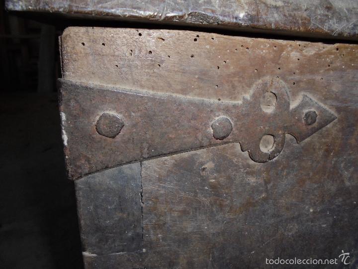 Antigüedades: Arca de nogal del S XVI - Foto 7 - 56302394