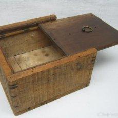 Antigüedades: ANTIGUA CAJA DE REGISTRO SECRETO EN BALDOSA SUELO. Lote 56855046