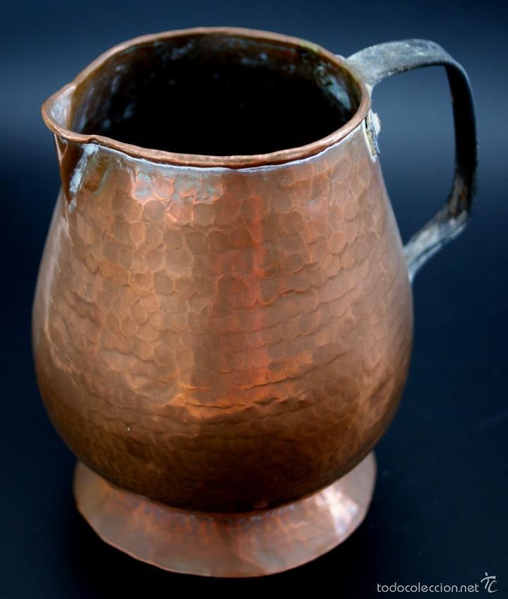 Antigüedades: JARRA DE COBRE MARTILLADO CON ASA DE HIERRO - S. XIX - Foto 3 - 56875750