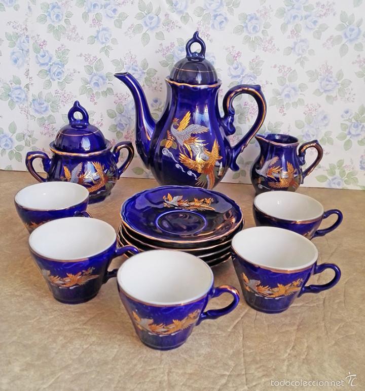 JUEGO TE CAFE PORCELANA TAZAS PLATOS TETERA AZUL Y DORADO JAPON EIHO (Antigüedades - Porcelana y Cerámica - Japón)