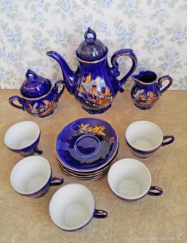 Antigüedades: juego te cafe porcelana tazas platos tetera azul y dorado japon EIHO - Foto 2 - 56994639