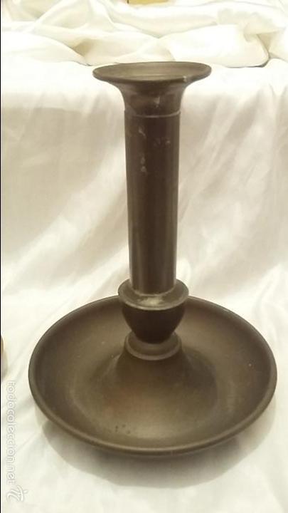 Antigüedades: Juego de 3 candelabros en latón y cobre de origen francés. - Foto 3 - 56996104