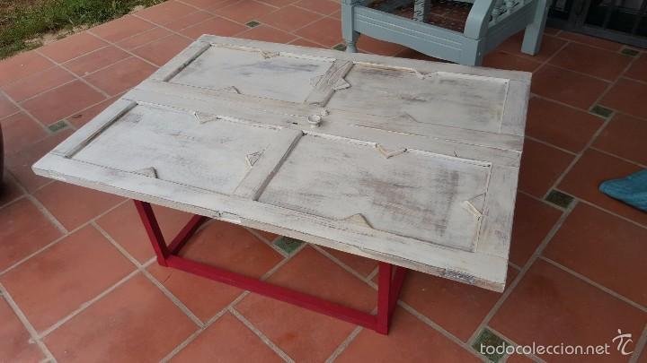 ORIGINAL MESA BAJA REALIZADA CON PUERTAS DE ALACENA. (Antigüedades - Muebles Antiguos - Mesas Antiguas)