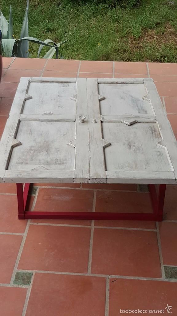 Antigüedades: Original mesa baja realizada con puertas de alacena. - Foto 4 - 59539976