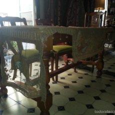 Antigüedades: ANTIGUO PAÑO TUL BORDADO Y PINTADO A MANO - MESA COMODA CONSOLA ALTAR CUBRE MANTEL PIANO ... Lote 57035282