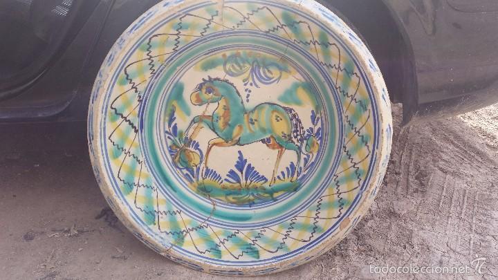 ANTIGUO LEBRILLO DE TRIANA PINTADO A MANO (Antigüedades - Porcelanas y Cerámicas - Triana)