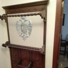 Antigüedades: MUEBLE PARAGUERO. Lote 57052456