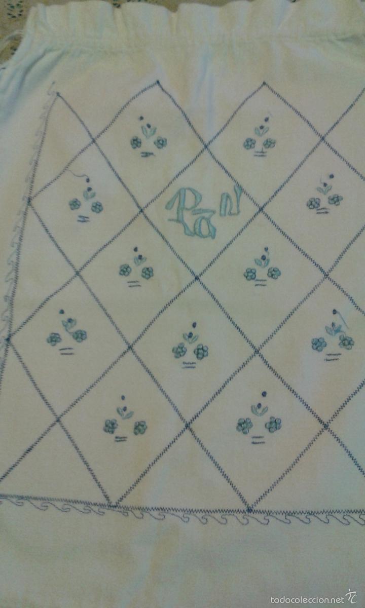 Antigüedades: BOLSA DE PAN BORDADA (AÑOS 50-60) - Foto 2 - 57055123
