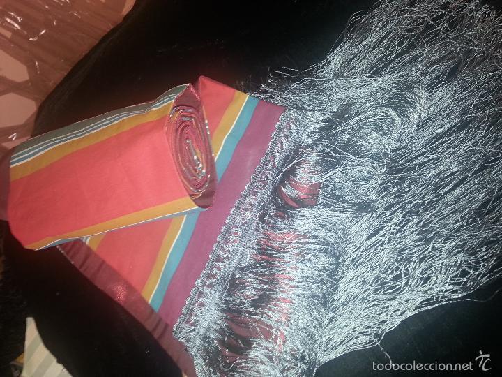 Antigüedades: precioso fajin cinturilla para vestimenta virgen hebrea tamaño natural con flecos mas de 3 metros - - Foto 3 - 112704323