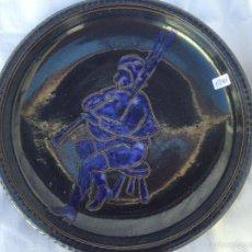 Antigüedades: PLATO ANTIGUO PIEDRA ARENISCA PINTADO A MANO. Lote 57070427