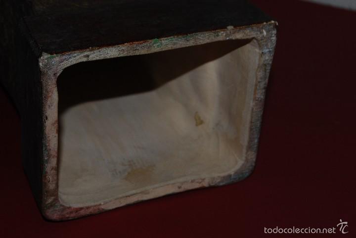 Antigüedades: PRECIOSO BUSTO MODERNISTA - FIGURA DE MUJER CON CAPA Y CAPUCHA - MODERNISMO - ART NOUVEAU - C. 1880 - Foto 13 - 57074989