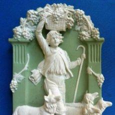 Antigüedades: BISCUIT ANTIGUO PARA COLGAR. PASTOR. OVEJAS. PERRO (21 X 12 CM). Lote 94124102