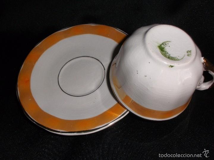 Antigüedades: Juego de taza de café en porcelana de reflejos nacarada Pickman de Recuerdo Baños de Mula - Foto 3 - 57123185