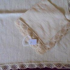 Antigüedades: MANTEL Y SERVILLETA DE HILO PARA BANDEJA. Lote 57123717
