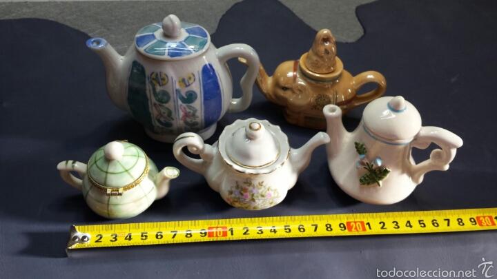 Antigüedades: Colección de 5 preciosas teteras miniatura de Porcelana - Foto 7 - 57136633