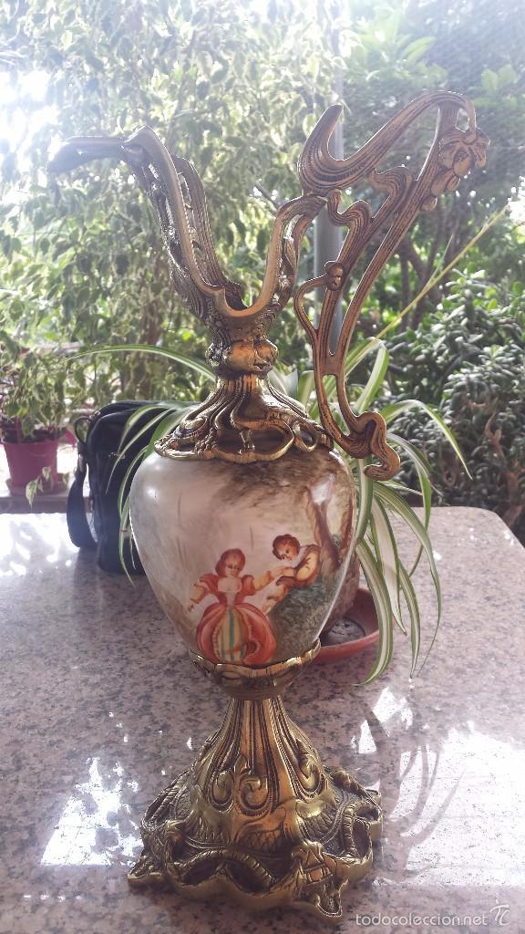 ANTIGUO JARRON EN PORCELANA Y BRONCE (Antigüedades - Hogar y Decoración - Jarrones Antiguos)