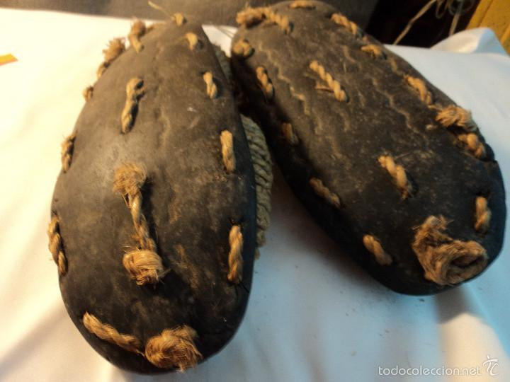 Antigüedades: antiquisimas y raras espardeñas de goma y esparto zona de albacete numero 37/38 - Foto 3 - 57204022