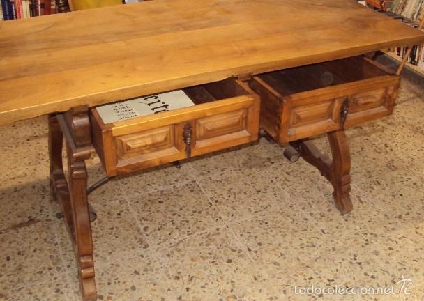 Antigüedades: mesa de despacho en nogal pata lira - Foto 4 - 57225071
