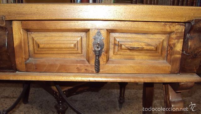 Antigüedades: mesa de despacho en nogal pata lira - Foto 5 - 57225071