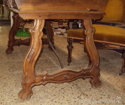 Antigüedades: mesa de despacho en nogal pata lira - Foto 6 - 57225071