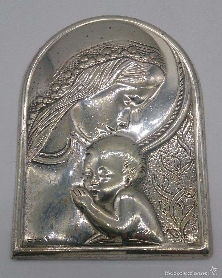Antigüedades: Imagen de la Virgen María y el niño en plata de ley laminada y contrastada . - Foto 3 - 57240084