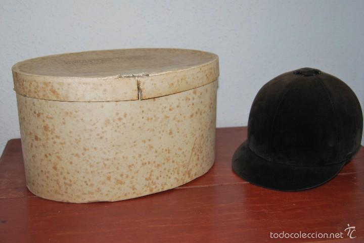 Antigüedades: CASCO DE EQUITACIÓN EN SOMBRERERA ORIGINAL - SOMBRERO HÍPICA - GAGEAN - CHAPELARIA DA MODA - LISBOA - Foto 3 - 57252900