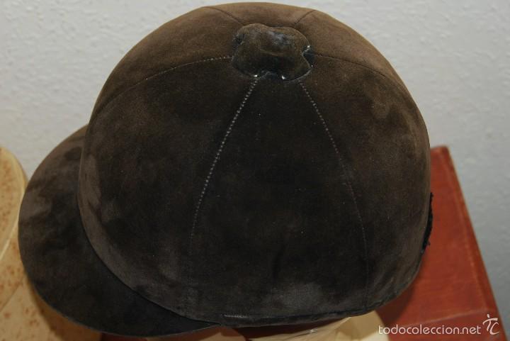 Antigüedades: CASCO DE EQUITACIÓN EN SOMBRERERA ORIGINAL - SOMBRERO HÍPICA - GAGEAN - CHAPELARIA DA MODA - LISBOA - Foto 8 - 57252900