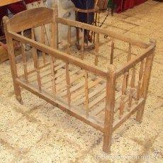 Antigüedades: CUNA DE MADERA NOGAL. Lote 57253341