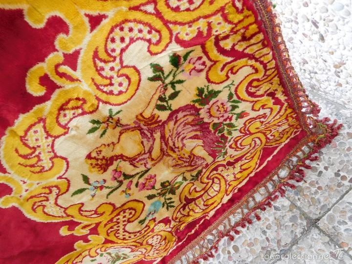 Antigüedades: Preciosa composición textil con cara de terciopelo, para usar mural, colcha o tapiz, 50 años de ant - Foto 3 - 57279545