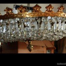 Antigüedades: PRECIOSA LAMPARA LAGRIMAS DE CRISTAL TALLADO Y BRONCE 53 DE DIAMETRO 4 BOMBILLAS VER FOTOS. Lote 57283944