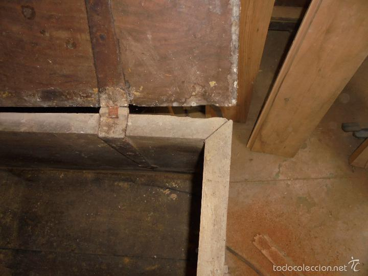 Antigüedades: Arca de nogal del S XVI - Foto 11 - 56302394
