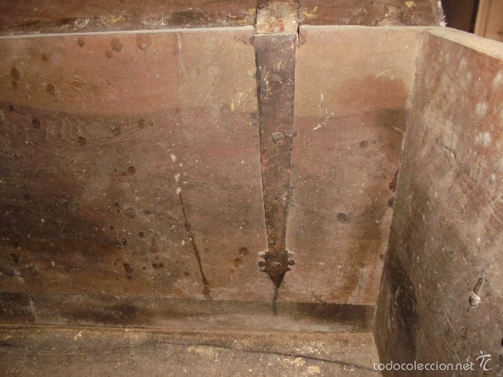 Antigüedades: Arca de nogal del S XVI - Foto 12 - 56302394