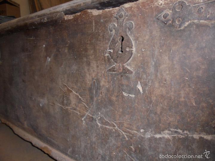 Antigüedades: Arca de nogal del S XVI - Foto 29 - 56302394