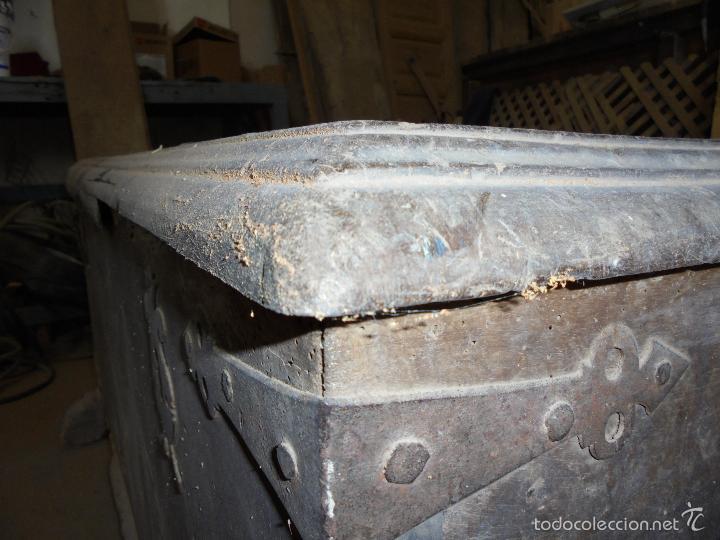 Antigüedades: Arca de nogal del S XVI - Foto 30 - 56302394