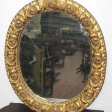 Antigüedades: MARCO ESPEJO. MADERA TALLADA EN PAN DE ORO. ESPAÑA. SIGLO XVIII / XIX.. Lote 57233768