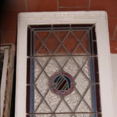 Antigüedades: VIDRIERA EMPLOMADA MEDIADOS DEL SIGLO XIX .VIENE MONTADA EN VENTANA . Lote 57303057