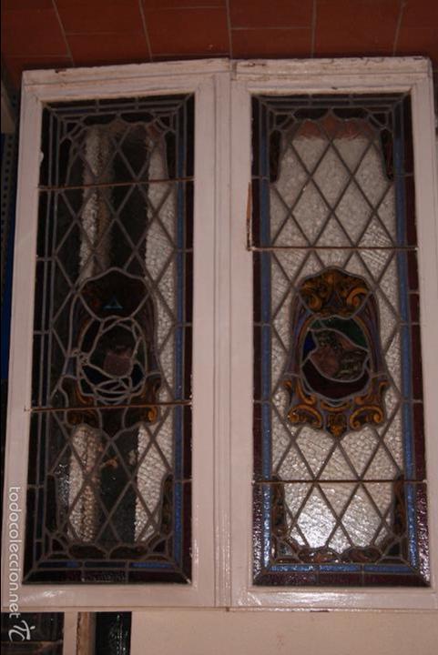 VIDRIERA EMPLOMADA MEDIADOS DEL SIGLO XIX .VIENE MONTADA EN VENTANA DE DOS HOJAS (Antigüedades - Cristal y Vidrio - Otros)