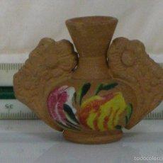 Antigüedades: JARRON MINI DE ARCILLA CON MOTIVOS FLORALES. Lote 57308390