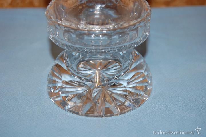 Antigüedades: JARRÓN EN CRISTAL TALLADO DE 20 CM ALTURA - Foto 2 - 57313858