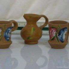 Antigüedades: CONJUNTO DE PIEZAS MINI ARTESANAS DE ARCILLA CLARA PINTADOS A MANO. Lote 57318550