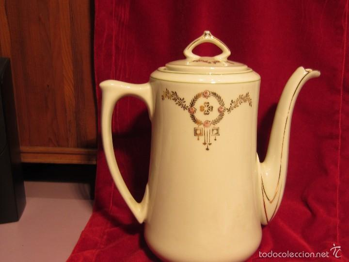 CAFETERA O TETERA PORCELANA MODERNISTA (Antigüedades - Porcelanas y Cerámicas - Otras)