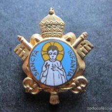 Antigüedades: PIN ALFILER RELIGIOSO ANTIGUO SANTA INFANCIA BARCELONA SANCTA INFANTIA. Lote 57332566