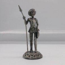 Antigüedades: FIGURA ANTIGUA DE DON QUIJOTE DE LA MANCHA EN PELTRE .. Lote 57332750