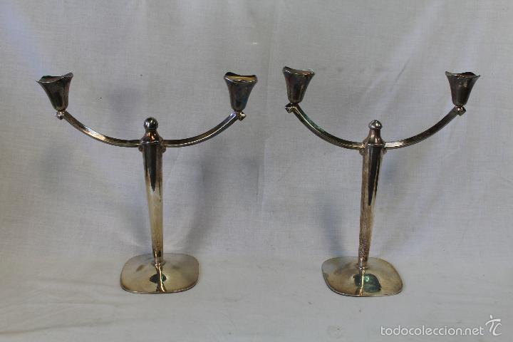 Antigüedades: pareja de candelabros en alpaca - Foto 2 - 57337414