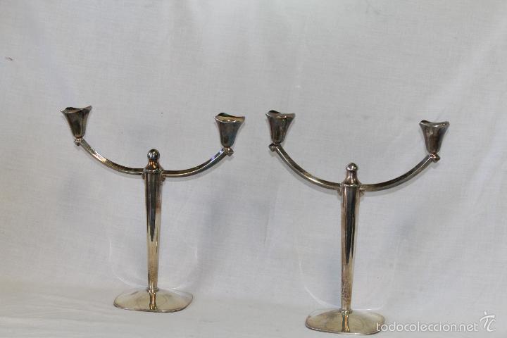 Antigüedades: pareja de candelabros en alpaca - Foto 6 - 57337414