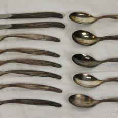 Antigüedades: SET DE 6 TENEDORES, 2 CUCHILLOS Y 5 CUCHARAS EN METAL PLATEADO. TWA. CIRCA 1970. . Lote 57382787