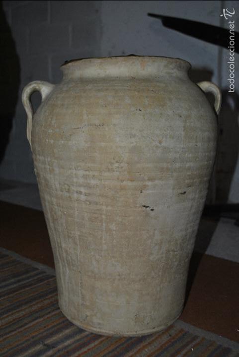 VASIJA DE BARRO BLANCO...VER VIDEO!!! (Antigüedades - Porcelanas y Cerámicas - Otras)