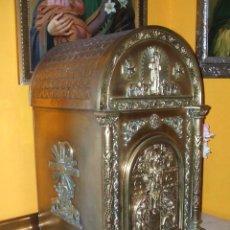 Antigüedades: SAGRARIO LATÓN BRONCE GRANDES MEDIDAS. ESPECTACULAR.. Lote 57400540